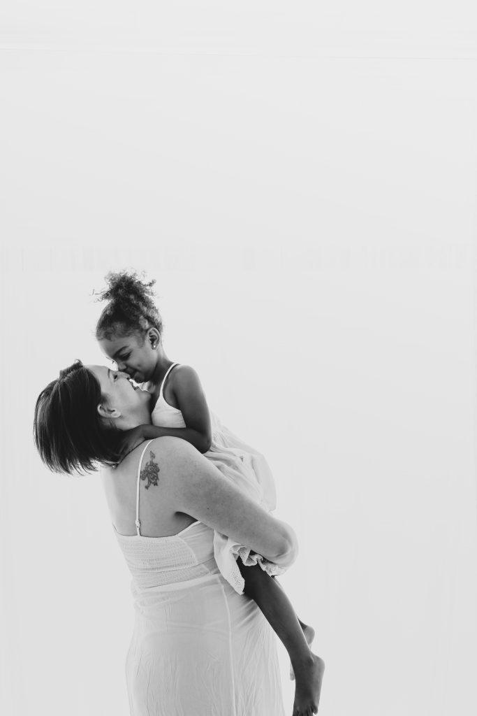 Neugeborenen Shooting, Babyfotograf, Babyfotografin, babybauchshooting, babyfotografin, schwangerschaftsfotografie, schweiz, niederbipp, Belly, Fotoshooting, schwangerschaftsshooting Detail Fotografie, Newborn Fotografin,Babybauchshooting, Schwangerschaftsshooting, Babyfotografin, Fotografin, Babybauch Fotografie, Fotostudio Baby, Kinderfotografie, Kinderfotografien, Kinderfotoshooting, Kinder Fotostudio, Familienfotografin, Familienfotoshooting, Familien Fotostudio, Outdoor Fotoshooting, Baby, Babybauch, Schwangerschaft, Erinnerungen für die Ewigkeit, Solothurn, Niederbipp, Zürich, Bern, Aarau, Aargau, Oberaargau, Luzern, Langenthal, Basel, Oberland, Natürliche Fotografie, Pure Fotografie, Neugeborenenshooting natürlich, Newbornshooting natürlich, natürliche Babybilder, Babyfotograf natürliche Bilder, natürliche Babyfotos, natürliche Babyfotografie, Kinderfotografie in der Natur, Kinderfotografin, Outdoor Shooting, Outdoor Fotografie, Familienshooting in der Natur